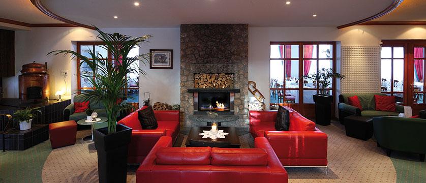 Switzerland_Zermatt_Hotel-Perren_Lobby-Lounge.jpg